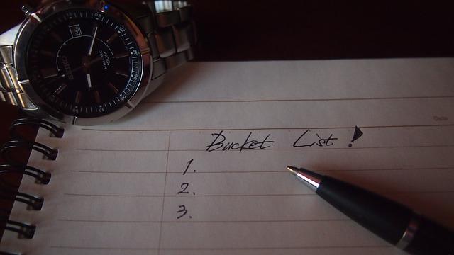 bucket list on paper